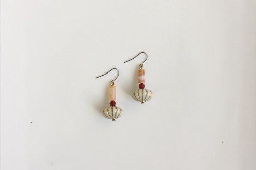 Small mushroom antique resin earrings