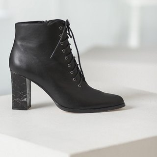 College straps with thick tube dagger ankle boots black
