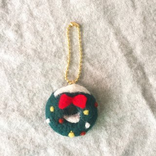 Christmas morning. Wool felt Christmas wreath strap