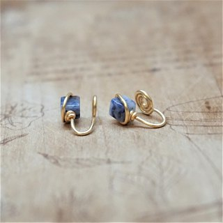 << Gold wire frame ear clip - soda stone >> 4mm square soda stone (also ear needle model)