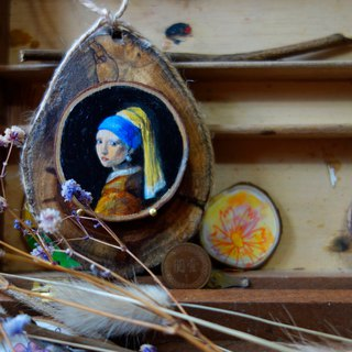 Girly mini world famous painting hand-painted wood ornaments group wearing pearl earrings