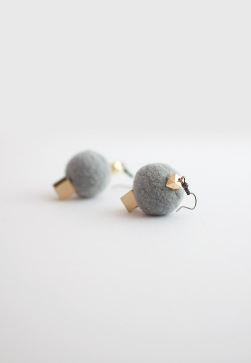 Wool Ball Metal Earrings ER1177