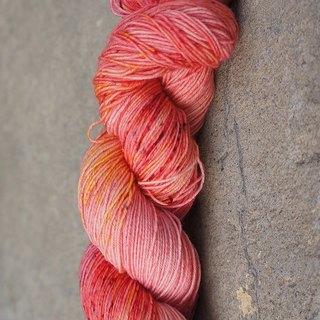 Hand-dyed line. Plum sparkling water (BFL).