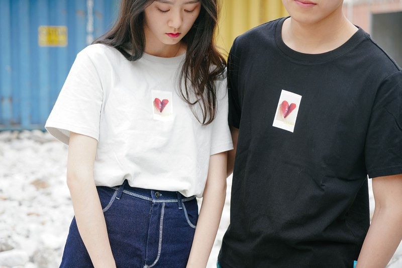 212489e48c OTHERCOLOR 18SS Love Word Polaid Lip Print T-shirt Two-color Men and women Same  Couple Tide - Designer othercolor | Pinkoi