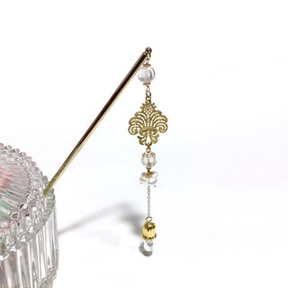 """Crystal chandelier"" Iris & lily of the valley. Natural pearl. Antique white crystal. Palace style hairpin."