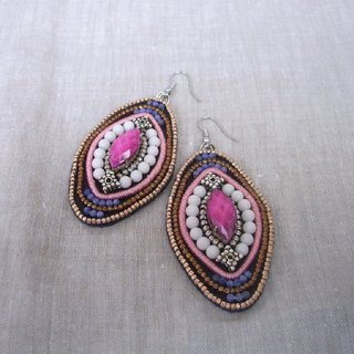 [Beads embroidery] Ethnic-style pierced red purple color