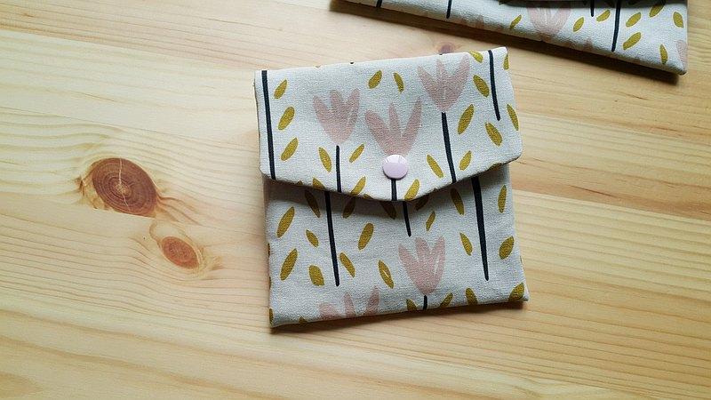 粉紅小花 對折口罩收納袋  綿綿包 多功能小包 超實用 可愛獨家款