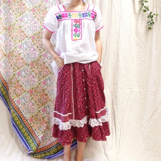 * BajuTua / Vintage / Northern Mexico Hand Embroidered Top - Pink