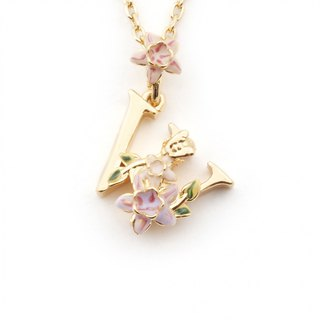 Flower English letter W necklace