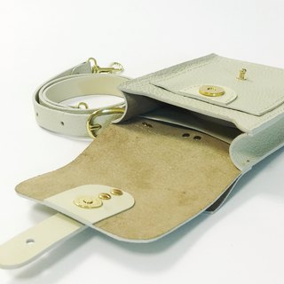 Beechen beige leather pockets