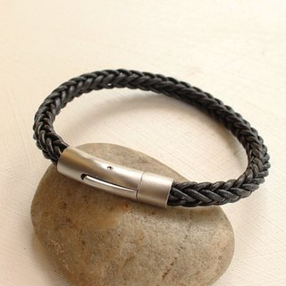 Exquisite Braided Bracelet (6 mm.) - Genuine Cow Leather Bracelet - Black