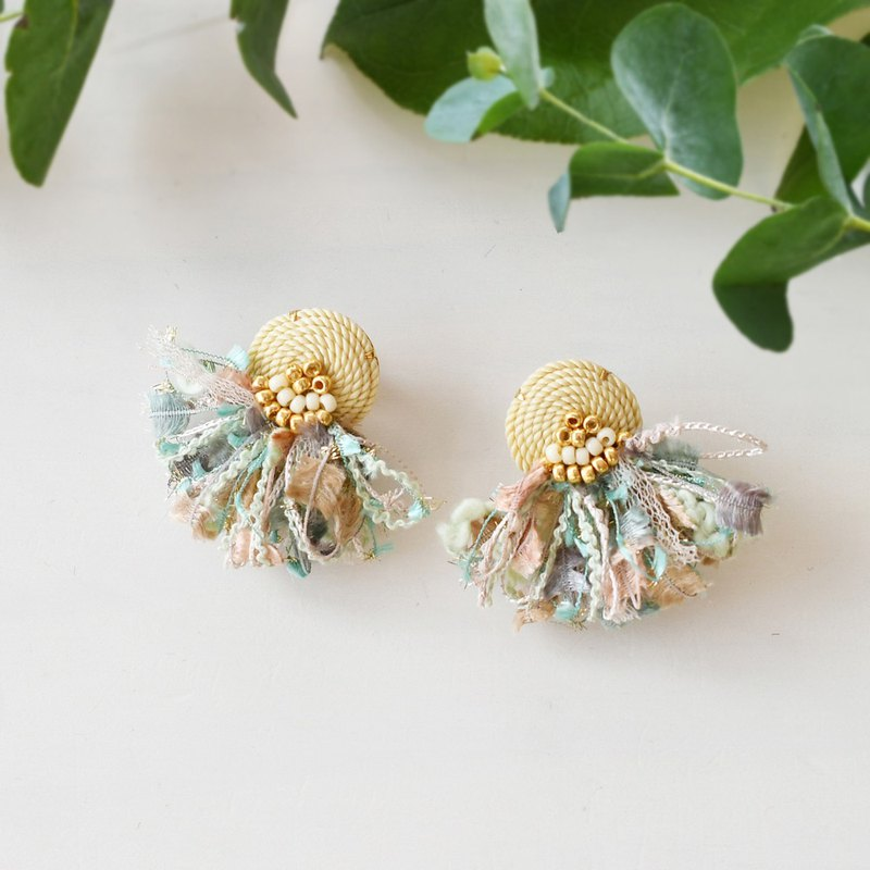 String tassel earrings /Mint cream