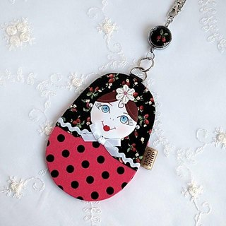 Matryoshka Pass Case · Lady Bird White (MP-083)