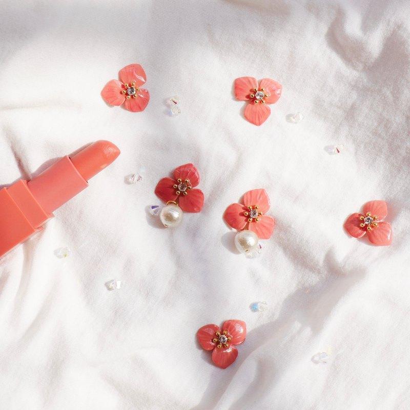 唇彩花朵棉珠鋯石耳環 鮭魚粉