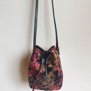Beam leather art leather soft bag / small bucket bag / special printing / handmade