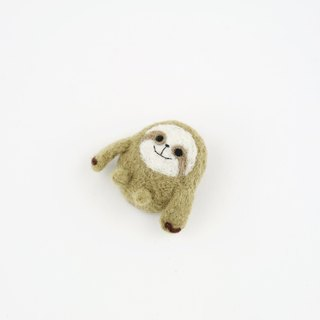 Animal's Party – sloth wool felting brooch