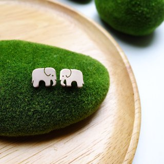 Earrings tiny ELEPHANT