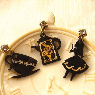 Alice silhouette series--Alice and horn rabbit afternoon tea party gold engraved silhouette earrings set