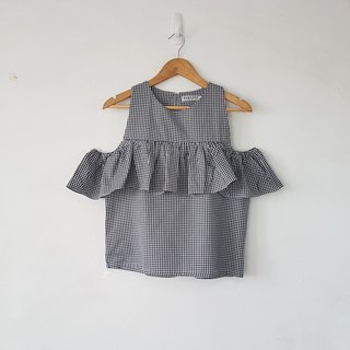 Gingham top in black