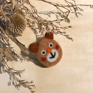 Wool felt pin - brown bear
