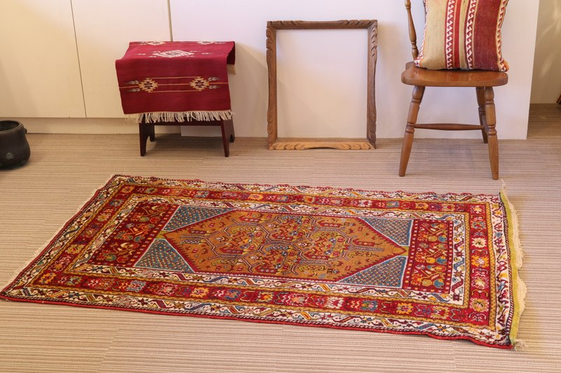 special wool carpet hand woven rug Turkish kilim 167 × 103cm