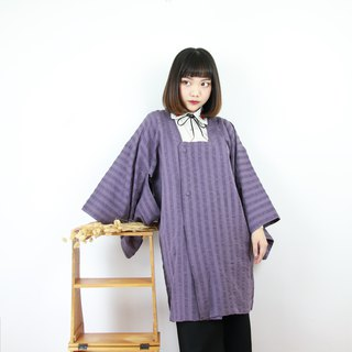 Back to Green Japan back half-way embossed lilac kimono KD-14