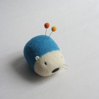 Wool hedgehog pin cushion (Marine Blue)
