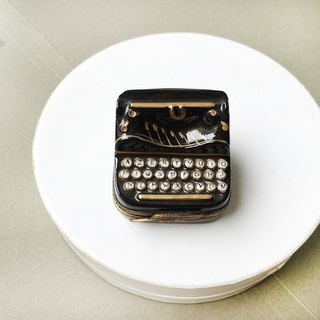 Classic Handmade Mini Typewriter Decoration