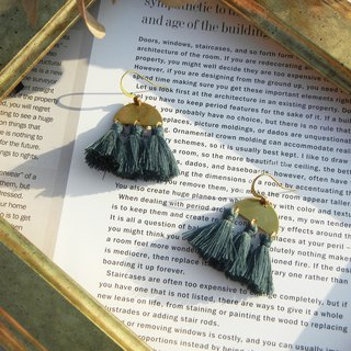 *coucoubird*gray blue vintage tassel earrings