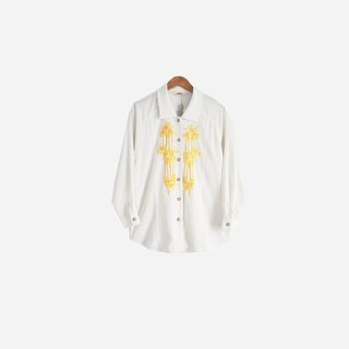 Dislocation Vintage / Embroidered White Shirt no.518 vintage