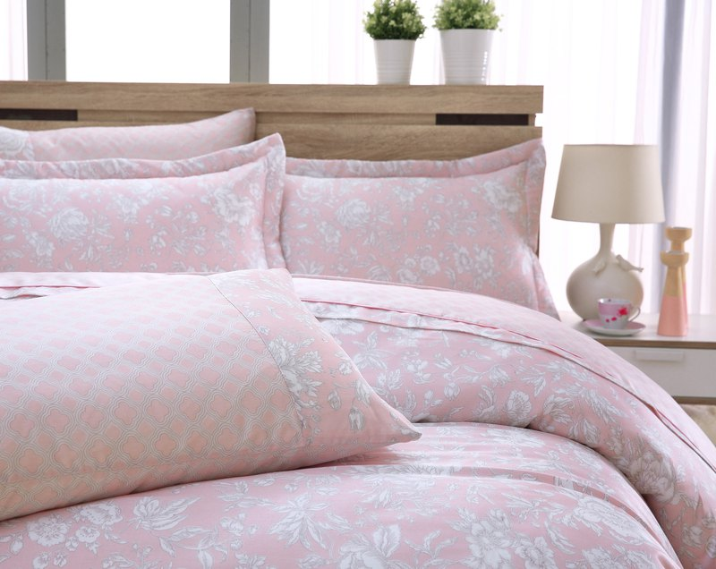 Extra large size flower language (powder) - Tencel dual-use bed cover six-piece group [100% Lysell]