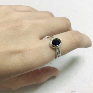 Special cutting Sapphire Stone Ring Handmade in Nepal 92.5% Silver