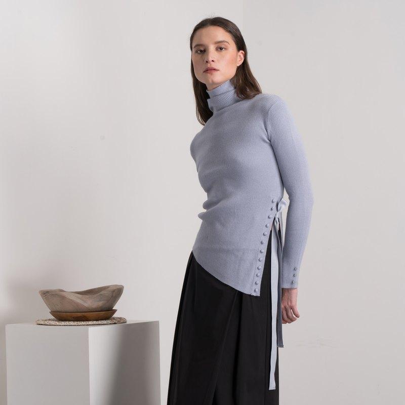 粉藍色不規則蝴蝶系帶針織上衣-香港原創品牌Lapeewee