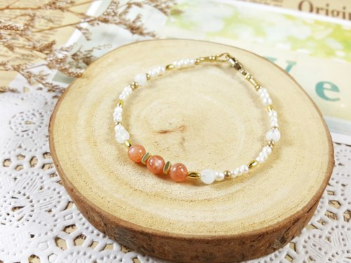 Day and month _ bracelet // sun stone moonlight stone pearl brass