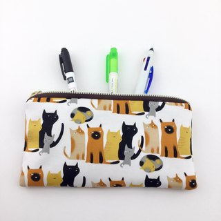 Line up cats - pencil case / tableware bag / universal bag