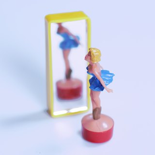 Fun Magnetic Ornaments - Mirror Ballet Dancer