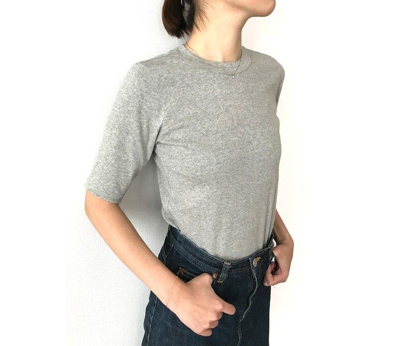 日本製 有機棉 剪裁講究 大人的 4 分袖素色 T-shirt 淺灰色
