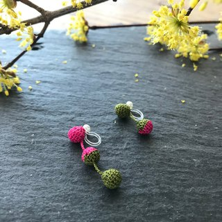 Bicolor Crochet Ball Earrings:khaki+hot pink