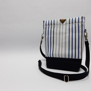 Lined with resin cotton blue stripes  little oblique backpack