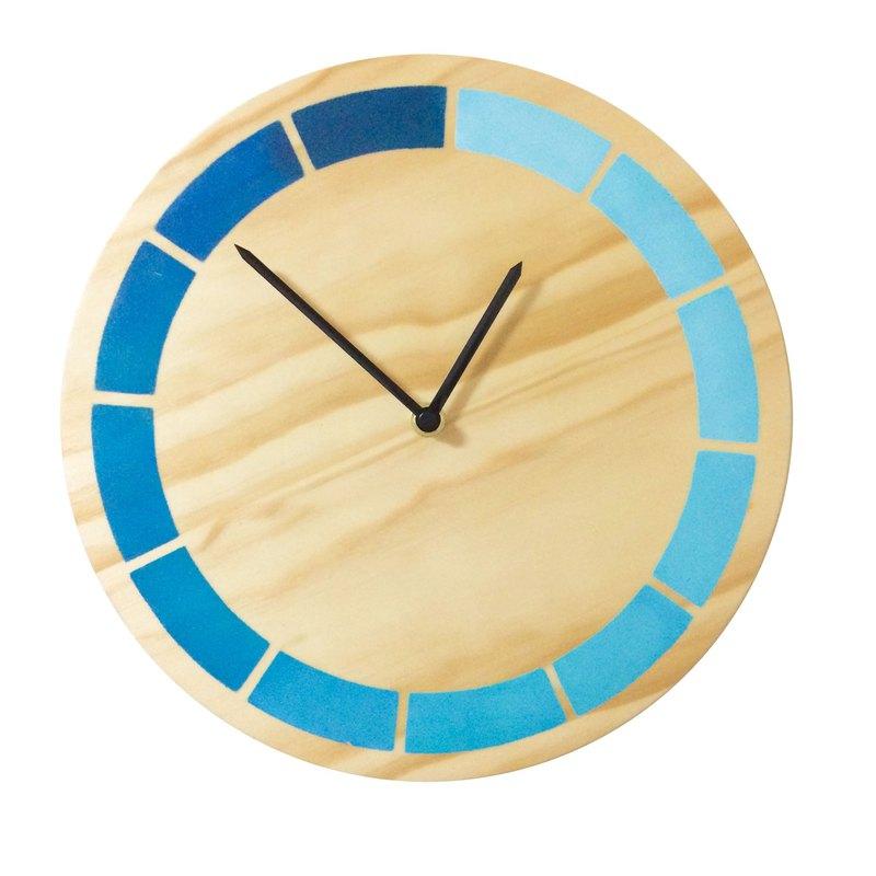 設計 漸層藍 原木時鐘