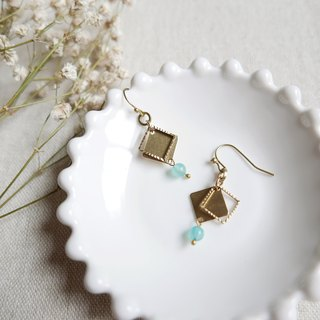 Geometric series. Small box earrings