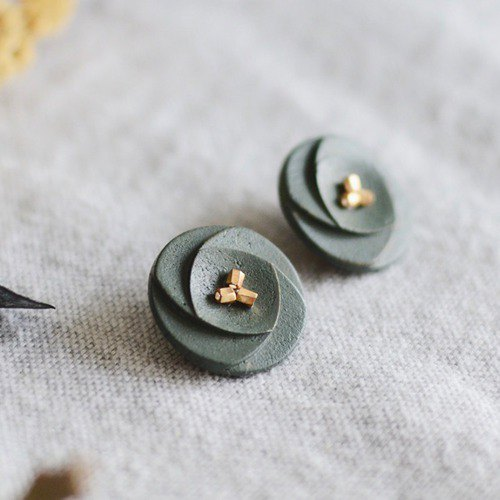 Oven clay earrings, Flower, Khaki