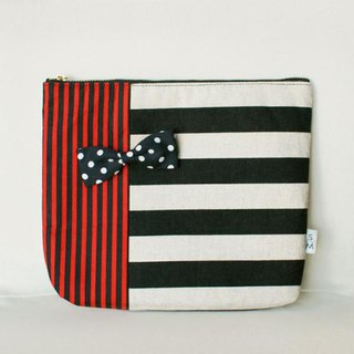 pouch borders stripes red monochrome dots ribbon brooch Chief
