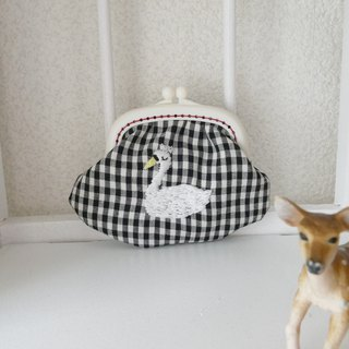 Embroidery winged Gingham check Swan