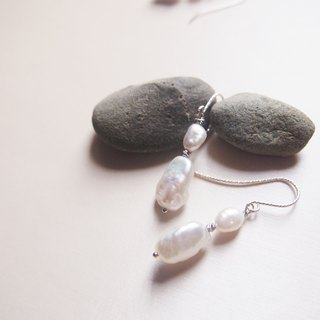 Free postage : Short Dangle Freshwater Pearl Earrings | Able to change into clip on