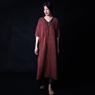 Ancient red Chinese silk silk yarn button dress