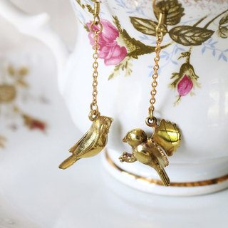 Birds Earrings / Linen Jewelry / Brass Jewelry / Wire Earrings.
