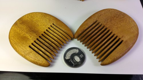 Taiwan's cute camouflage pocket pocket comb (sister head)
