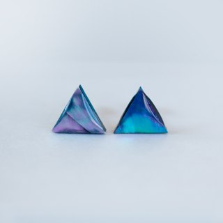 pearl opal earrings (black/mini triangle)
