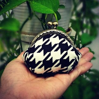 【MY。手作】mini kisslock coins bag / little coins purse / 100% hand-stitches ~ houndstooth check